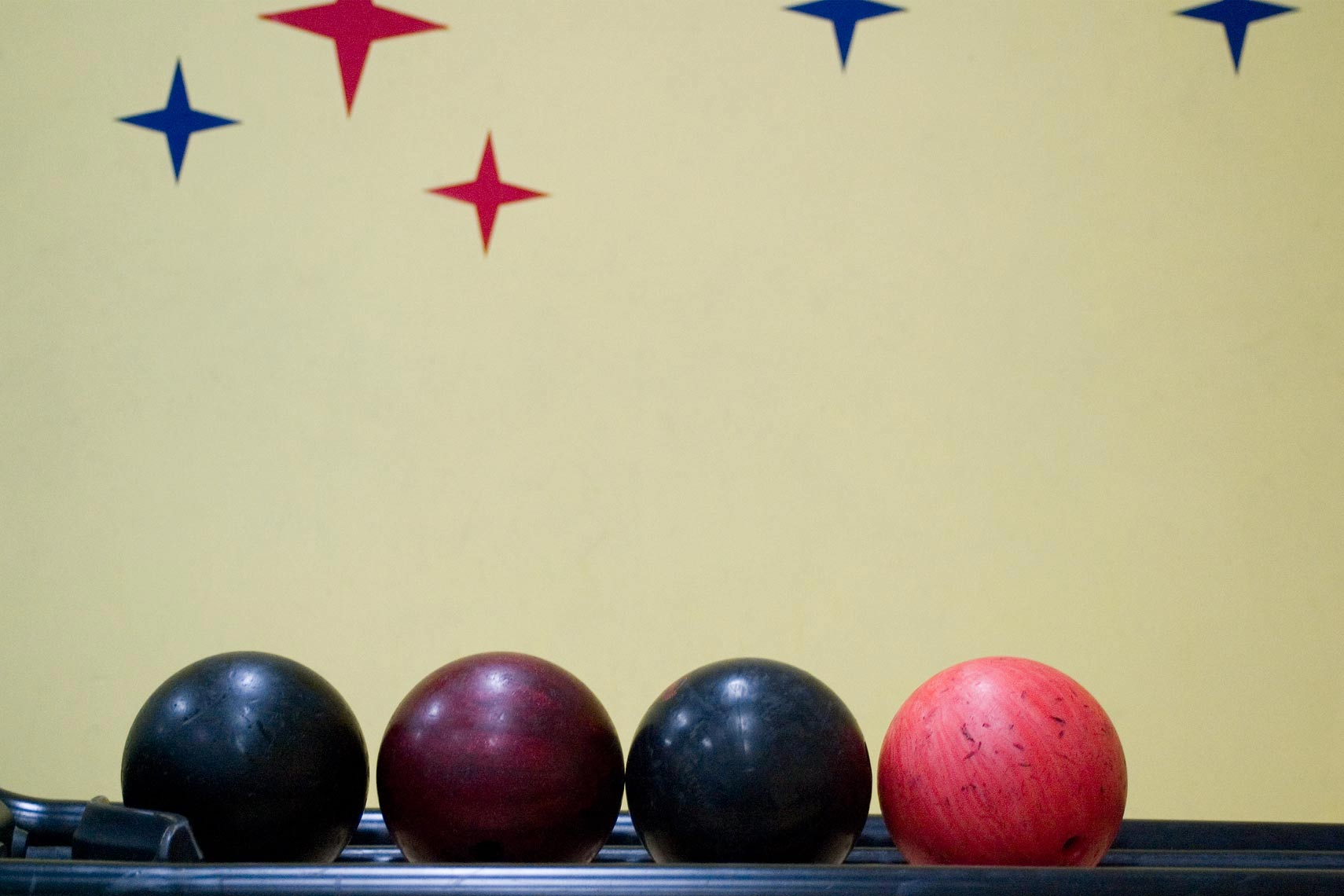11_23-Bowling-Balls-Right_z17a